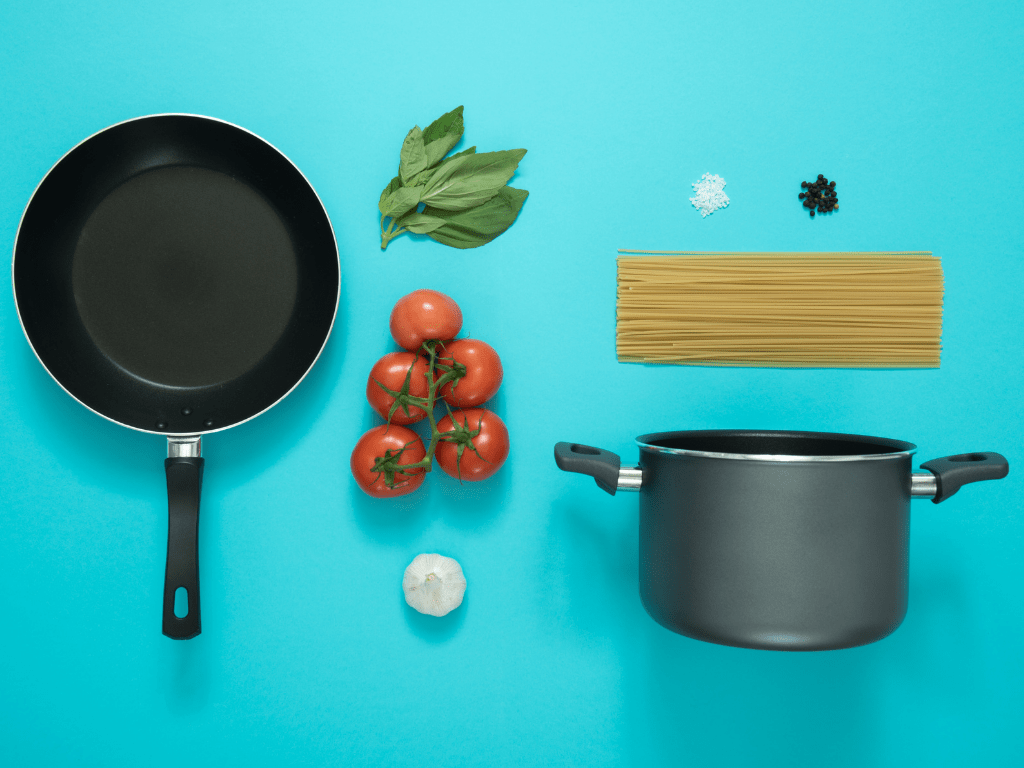 10 Must-have Cookware for Kitchen 3