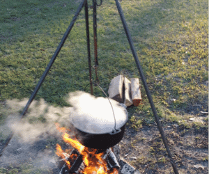 35 Top Campfire Cooking Equipment to Add to Your Camp Kitchen 28